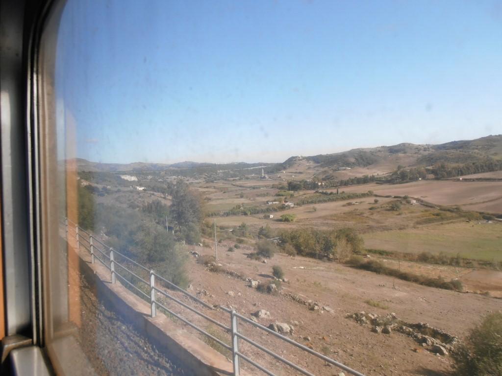 Blick ins Tal, ganz hinten unten die Trinità di Saccargia