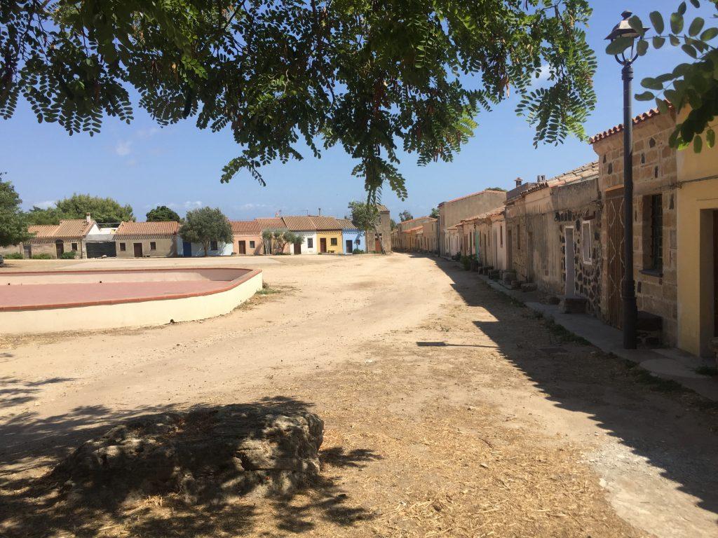 San Salvatore Sinis: ein Dorf wie im Film