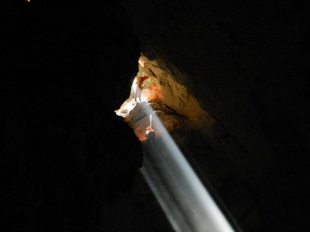 Kletterer im Lichtschein