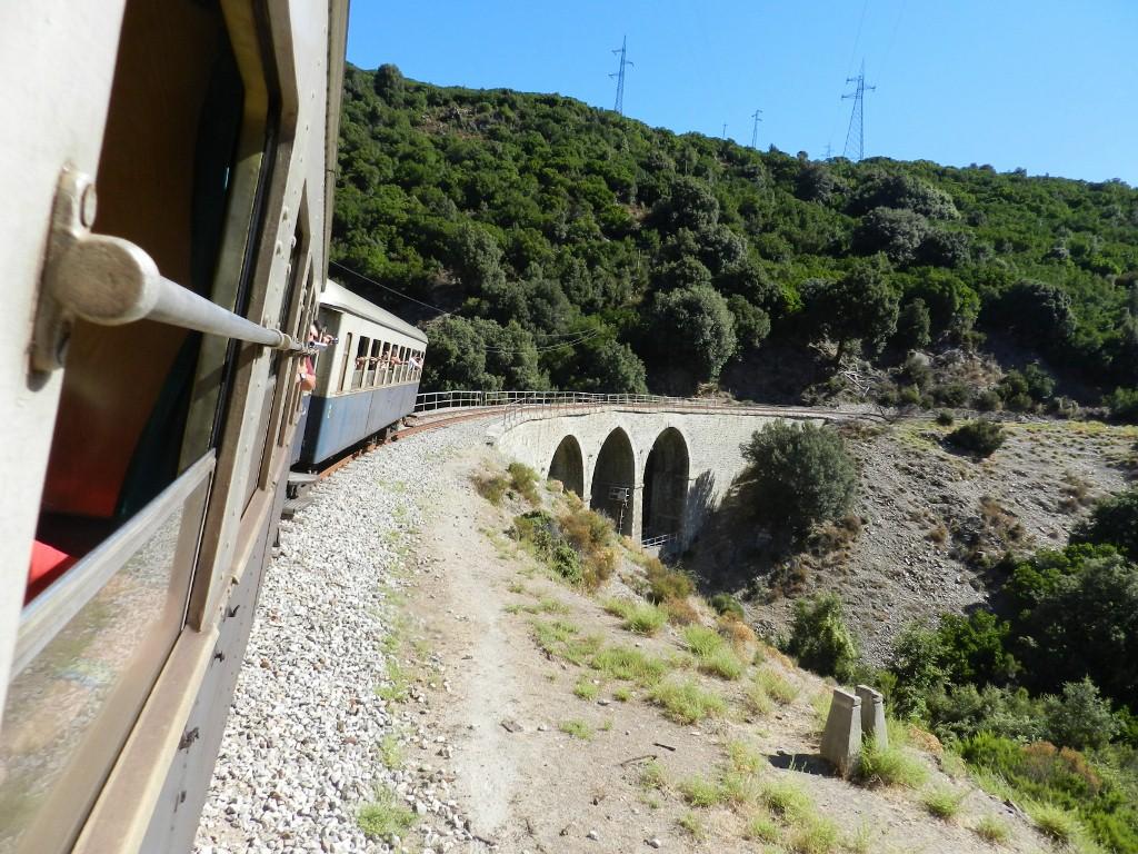 Trenino Verde legt sich in die Kurven