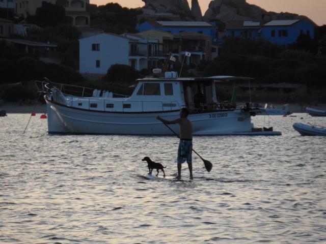 Standup-Paddler bei Capo Testa