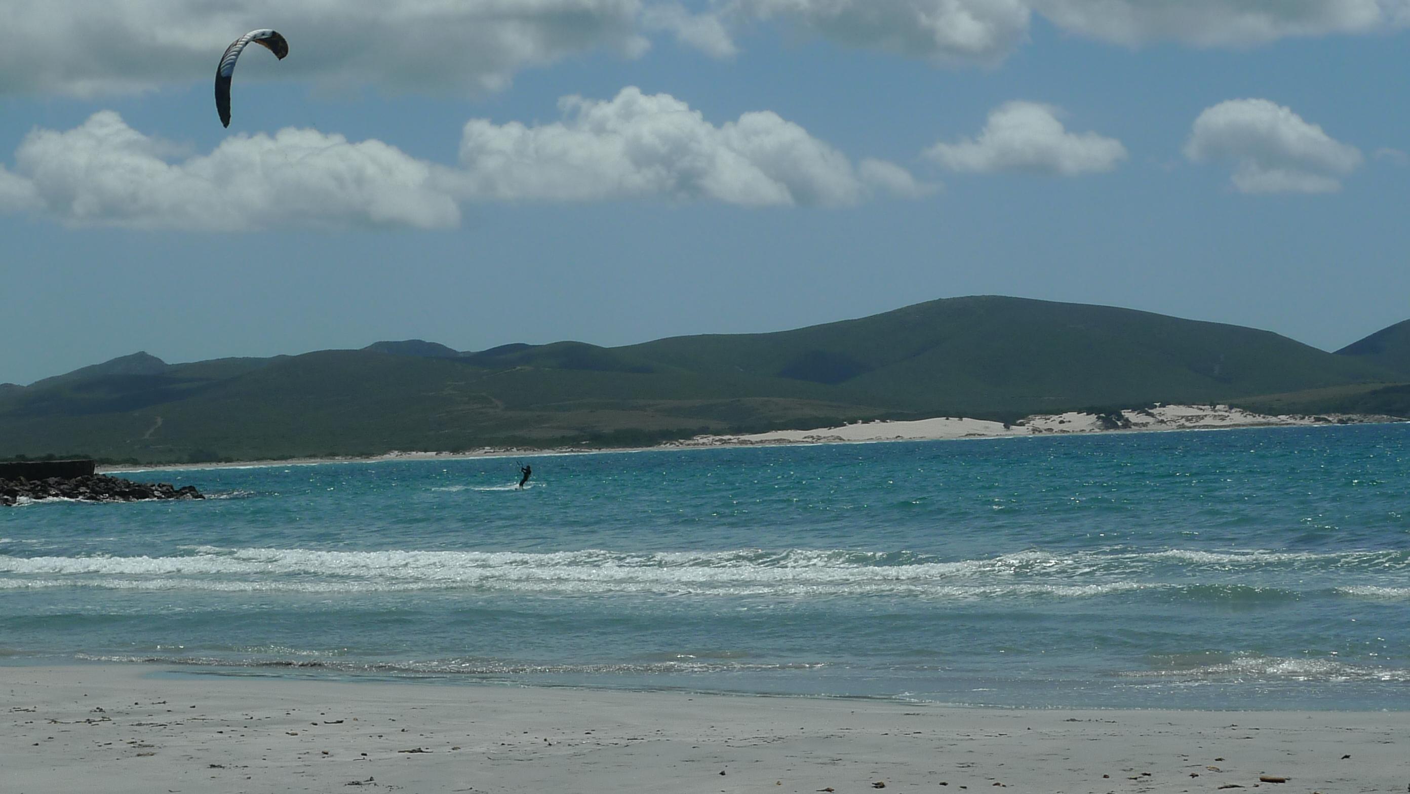 Porto Pino: einziger kitebarer Strand, nur bei Scirocco (SO)