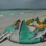 Kiter finden in der Nebensaison auf Sardinien quasi immer irgendwo Wind