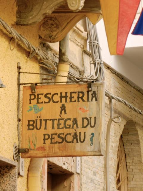 Fischgeschäft Carloforte, tabarchino