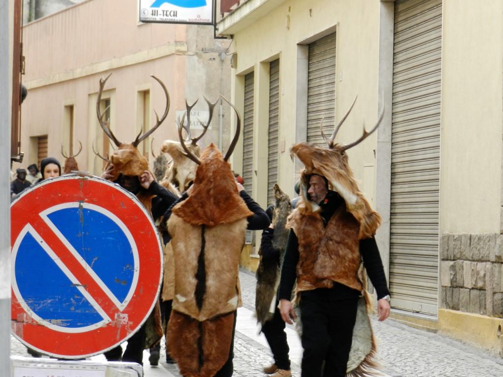 Is Cerbus - und ihr Gang durch die Gassen des centro storico