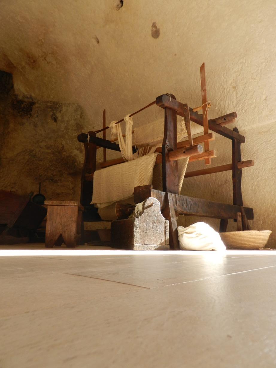 Im Museum: ein antiker Webstuhl