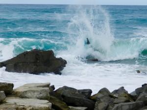 Spektakuläre Wellen bei Westwind