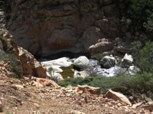 Das Flussbett des Rio Cannas