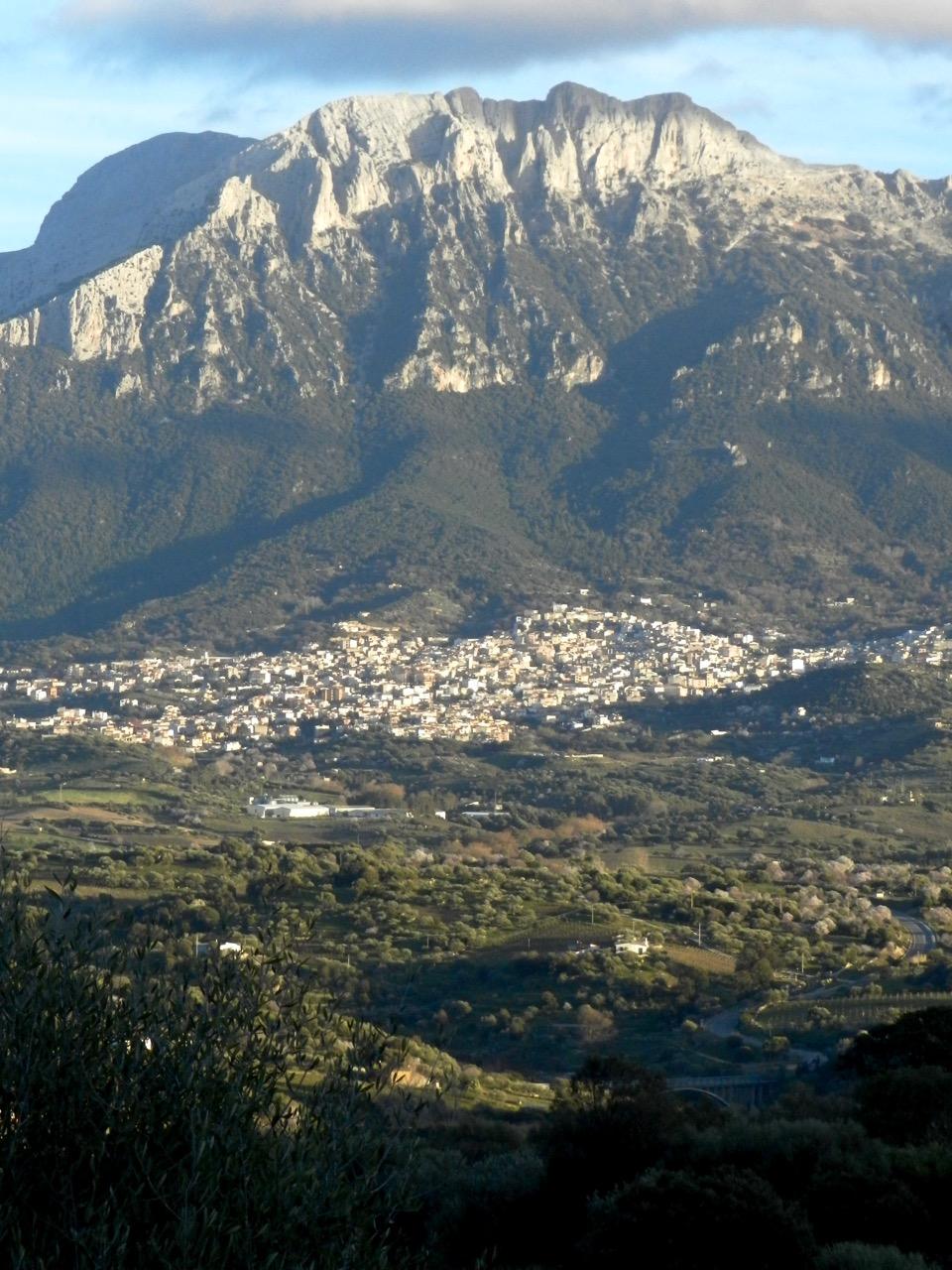 Gute Wahl: Ein Dorf wie Oliena, mit gewachsenen Strukturen und ganzjährigen Bewohnern
