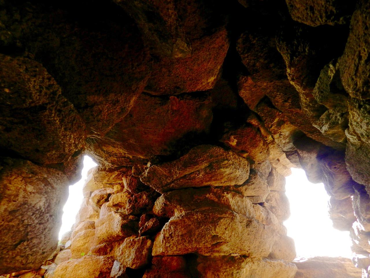 Sonnenzimmer, stanza del sole, im Nuraghen Seruci bei Gonnesa