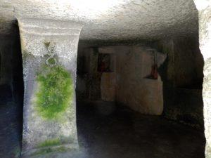 Necropoli di Monte Sirai, Zeichen Tanit