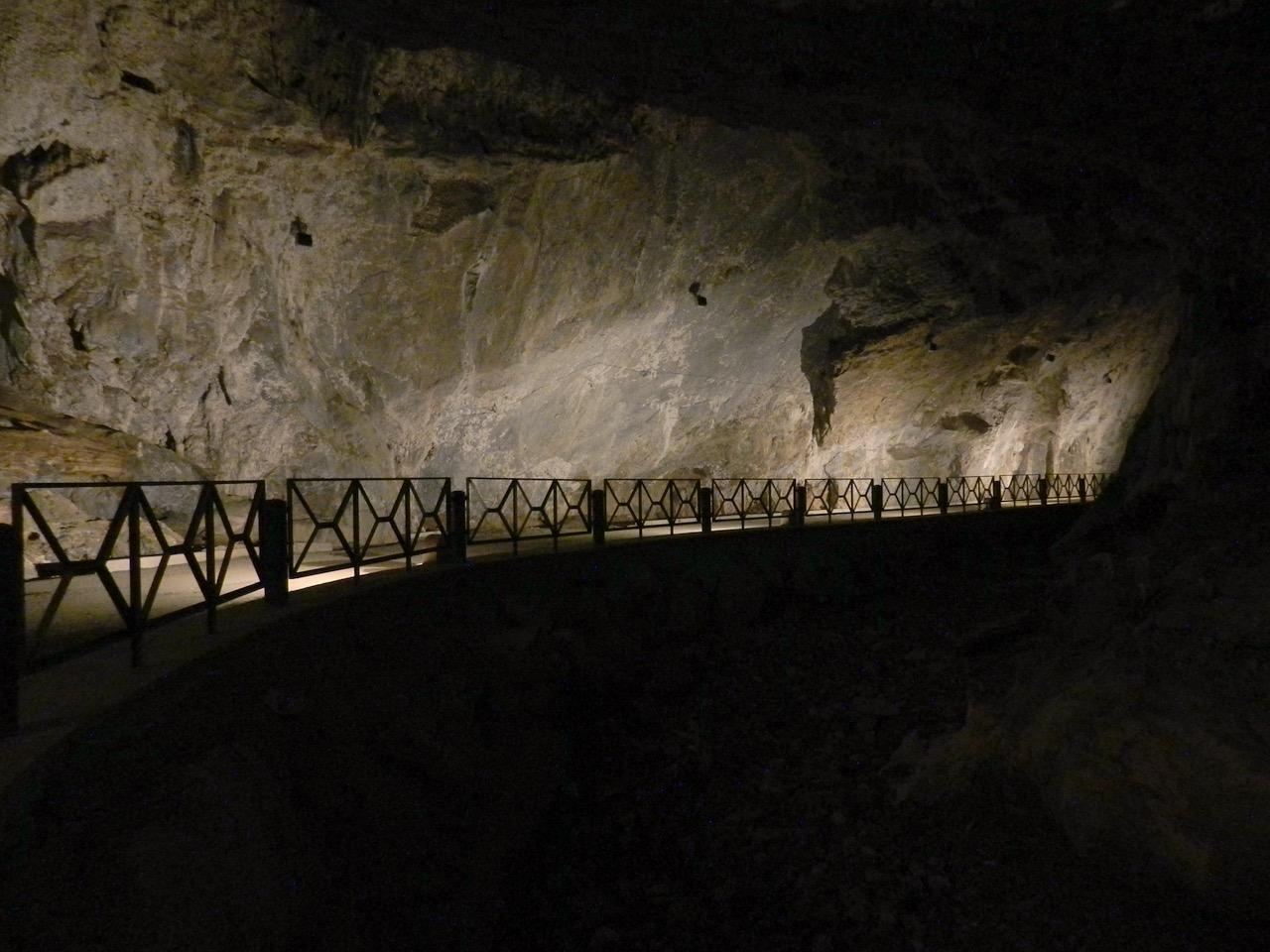 Grotte Domusnovas - frei zugänglich auf einer Straße