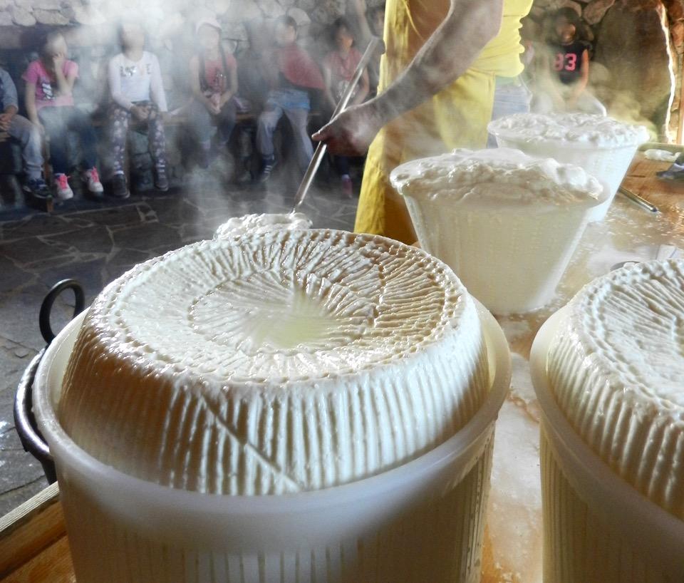 Ricotta und Pecorino, auf ganz natürliche Weise hergestellt