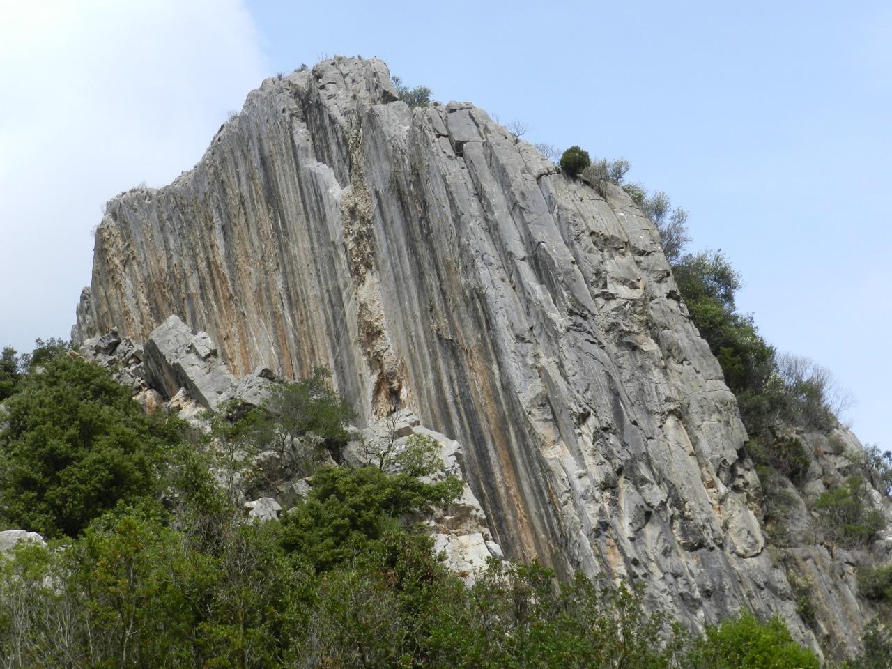 Spektakuläre Kletterwand Vox Populi im Sektor Istentales