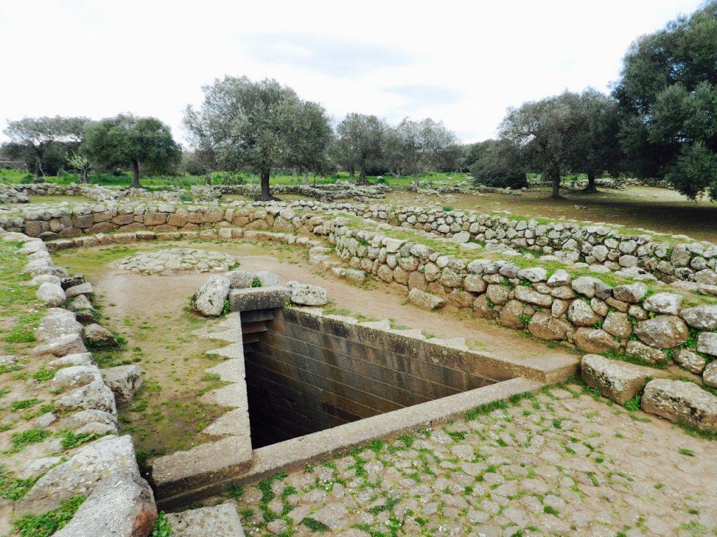 Santa Cristina - schönes, gut erhaltenes Brunnenheiligtum