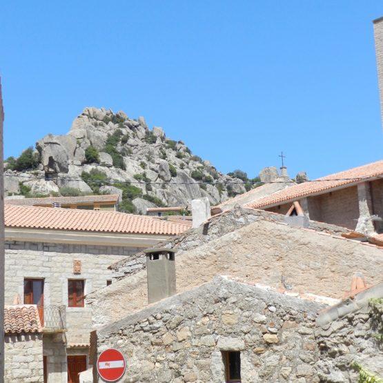 Ein Ort, aus Granit erbaut: Aggius