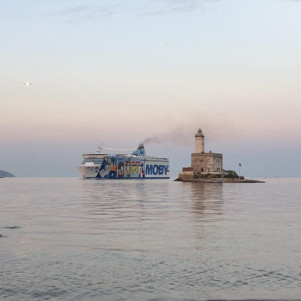 Ob mit dem Flugzeug oder per Schiff: Olbia ist das Tor Sardiniens
