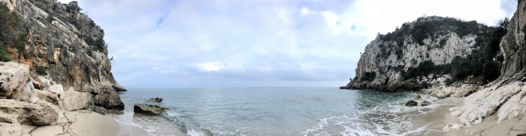Toller Tag im Winter am Strand Spiaggia Ziu Santoru, Supramonte