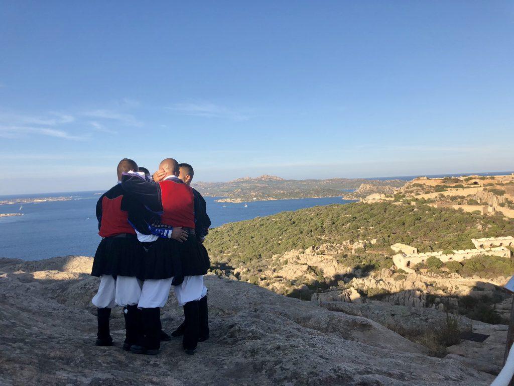 Sardische Tenöre unterm Bärenfelsen: Festival Isole Che Parlano