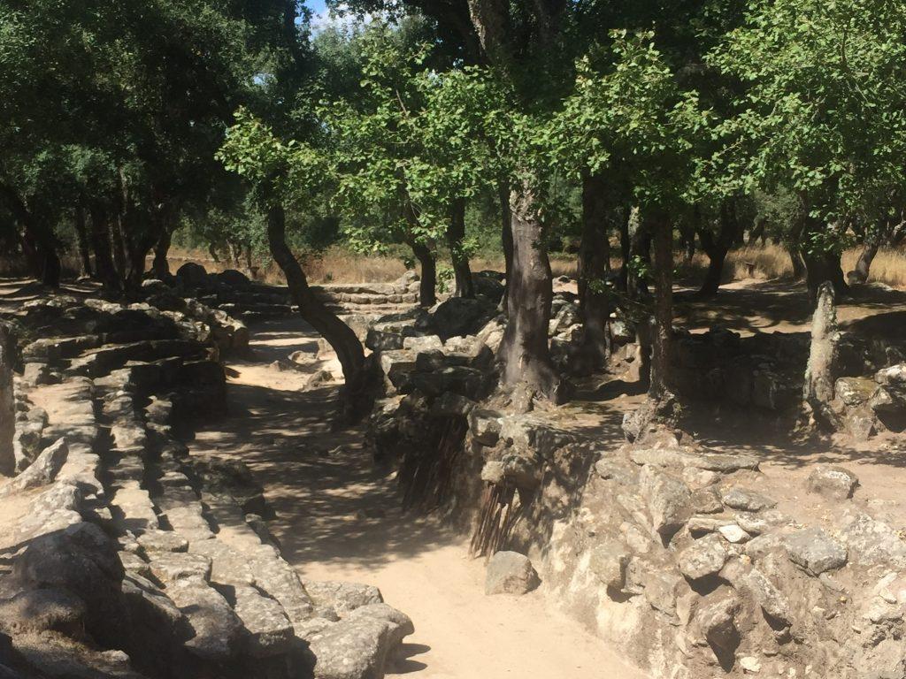 Romanzesu ist eine der spannendsten und schönsten archäologischen Stätten, die Sardinien zu bieten hat.