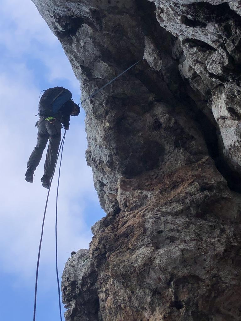 Genial auch im Winter: Trekking und Abseiling am Capo Figari