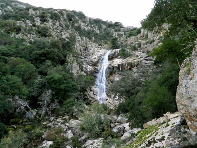 Manche schönen Plätze, wie diesen Wasserfall, muss man einfach selber finden ...