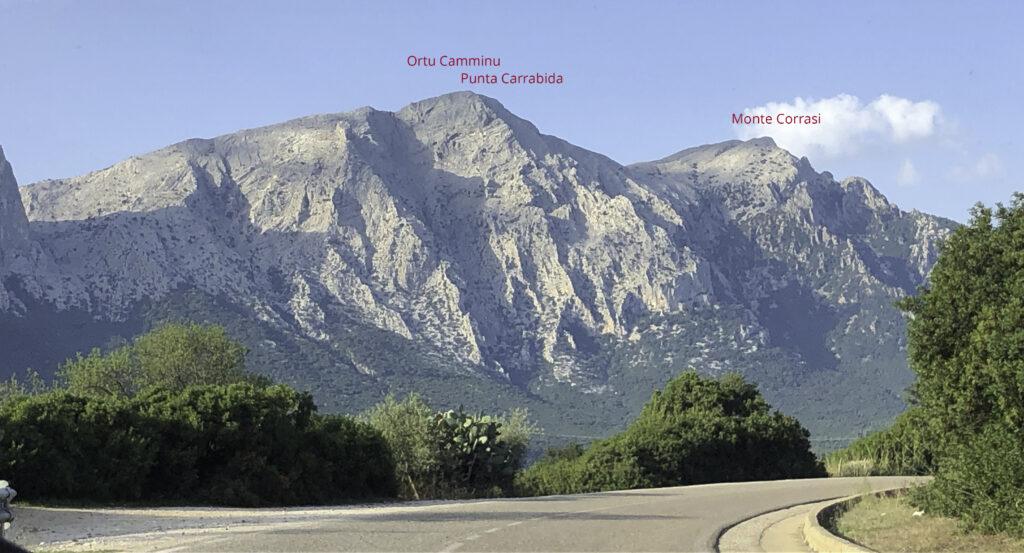 Landstraße von Dorgali nach Oliena - dominiert vom Supramonte