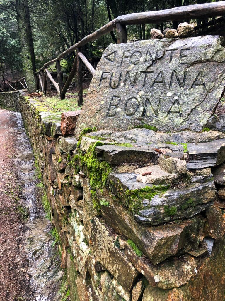 Start an der Quelle Funtana Bona