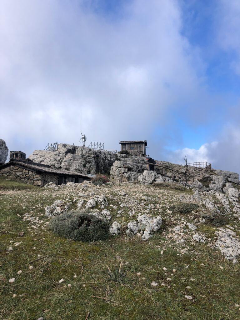 Schutzhütten, rifugio, auf dem Monte Novo San Giovanni