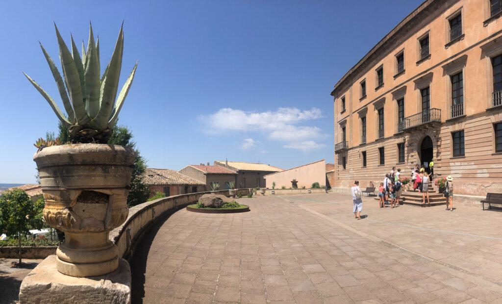 Der imposante Palazzo Aymerich, innen wie außen ein Schmuckstück