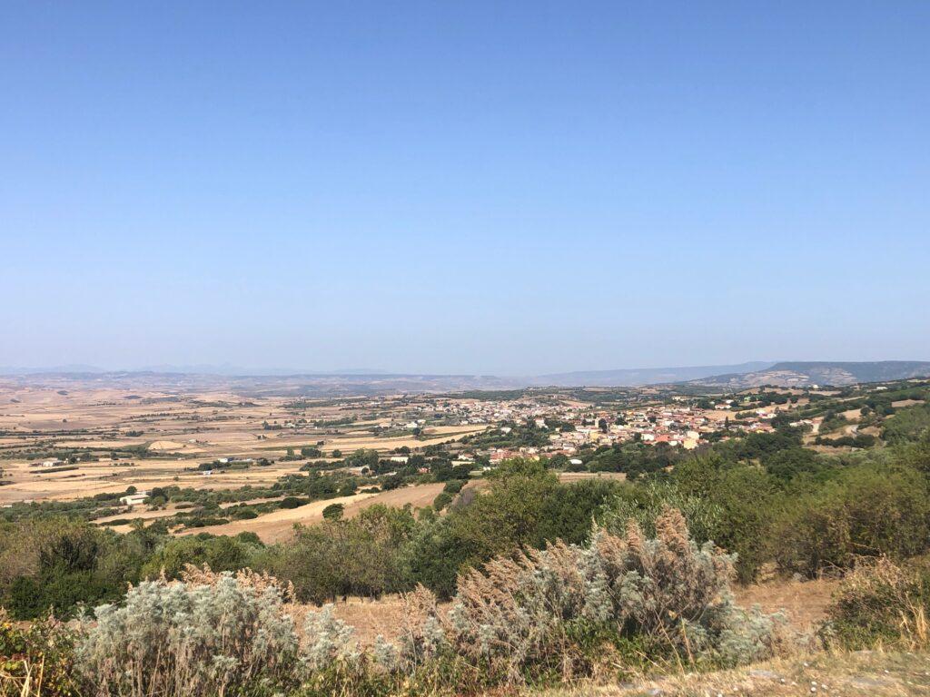 Das Sarcidano mit Escolca und Gergei, Blick in Richtung Marmilla