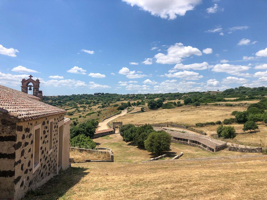 Blick vom Santuario bis zur kleinen Front / su frontigheddu außerhalb des Geländes