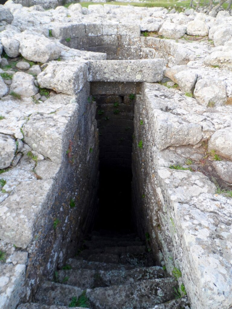 Brunnenheiligtum / pozzo sacro in Santa Vittoria di Serri